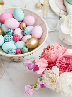 My Pastel Easter Brunch + Shop The Look - Emily Henderson Easter Brunch, Easter Party, Easter Table, Easter Decor, Hoppy Easter, Easter Eggs, Ostern Wallpaper, Happy Easter Everyone, Easter Traditions