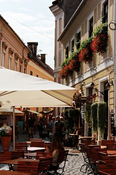 "punching-ina-dream: "" seaembraces: "" Cluj Napoca in bits and pieces "" oh, how I love this street! Wonderful Places, Great Places, Places To See, Beautiful Places, Places Around The World, Around The Worlds, Visit Romania, Sidewalk Cafe, The Beautiful Country"