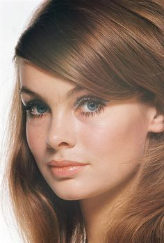Jean Shrimpton photographed by David Montgomery, Retro Makeup, Vintage Makeup, Beauty Makeup, Hair Makeup, Celebrity Makeup Looks, Jean Shrimpton, Classic Beauty, Classic Girl, Up Girl