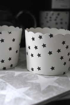 black and white cupcake wrappers with stars