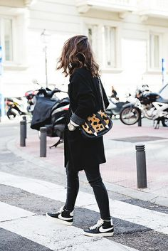 ☆ Black and sneakers