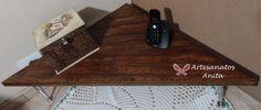 Mesa de canto com efeito nó de madeira