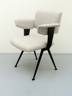 Resort Chair by Friso Kramer  | Matt Mitchell London