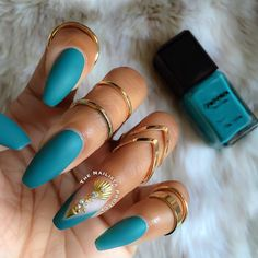 Nail art Christmas - the festive spirit on the nails. Over 70 creative ideas and tutorials - My Nails Matte Stiletto Nails, Teal Nails, Fancy Nails, My Nails, Coffin Nails, Burgundy Nails, Turquoise Acrylic Nails, Fabulous Nails, Gorgeous Nails