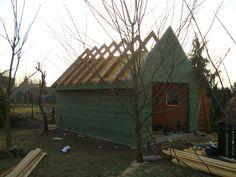 Budowa garażu drewnianego. Jak to zrobić ? Budowa dachu