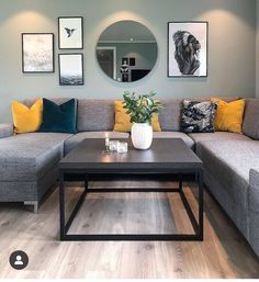 «Be yourself, because an original is worth more than a copy Mint Living Rooms, Living Room Decor Cozy, Living Room Green, Home Living Room, Interior Design Living Room, Living Room Designs, Living Room Color Schemes, Living Room Inspiration, Home Decor