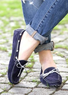 Tod's Gommino - Vicky Heiler Co-founder of The Daily Dose and blogger for BikinisAndPassports.com …