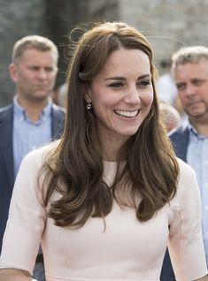 Kate Middleton Photos Photos - Catherine, Duchess of Cambridge visits the work…