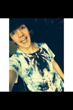 Fc:Aaron Carpenter)) (is he taken) Hey guys! I'm Aaron 18 and single. I like to skateboard and surf. So introduce?