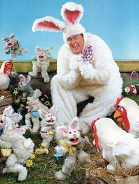 John Candy as the Easter Bunny in a photo spread from the Spring 1986 issue of Muppet Magazine Jim Henson, The Muppet Movie, Happy Easter Everyone, Fraggle Rock, White Rabbits, Chocolate Bunny, Easter Parade, Beltane, Vintage Easter