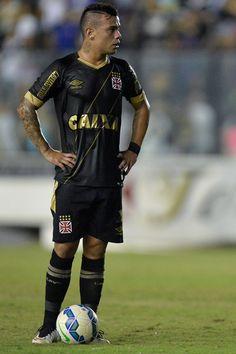 """Eurico Miranda descarta reintegrar Bernardo: """"Não joga mais pelo Vasco"""" #globoesporte"""