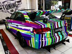 No 6º episódio de Imprimax Garage, os caras do Goodfellas Customs vieram com tudo, onde o Rafael Madazio e sua equipe compartilha um pouco de sua experiência e paixão pelo mundo do envelopamento automotivo. A Audi A4 apresentada nesse vídeo foi envelopada com uma arte impressa, criada pelo próprio dono do veículo, o YouTuber e amigo da equipe, Gui Pavan. Confira agora como ficou este incrível projeto! Audi A4, Vehicles, Faces, Car, Vehicle, Tools