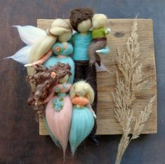 The Untapped Gold Mine of Felt Crafts For Adults. Wet Felting, Needle Felting, Crafts To Sell, Diy And Crafts, Diy Nativity, Felt Fairy, Felting Tutorials, Needle Felted Animals, Waldorf Dolls