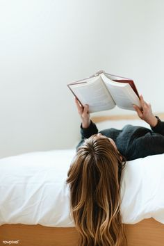 Woman reading a book on her bed during coronavirus quarantine | free image by rawpixel.com / McKinsey Photography Ideas At Home, Photography Poses Women, Book Photography, Creative Photography, Minimal Photography, Book Aesthetic, Aesthetic Photo, Reading Pictures, Study Photos
