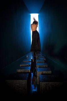 Stanze meravigliose - 10TEN Magazine #color #fashion #editorial #wall #minimal #back #pose #modeling Eric Mansuell photo, Valeria Gaetano stylist, Mariangela palatini mua, Vincenzo panico hair STYLE
