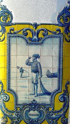 Estação Ferroviária de Vilar Formoso - Portugal Picture Tiles, Tile Panels, Portuguese Tiles, Hand Painted Plates, Antique Tiles, Blue Pottery, Iron Work, Decorative Tile, Wall Art Designs
