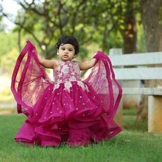 Girls Frock Design, Kids Frocks Design, Baby Frocks Designs, Baby Dress Design, Cute Formal Dresses, Cute Baby Dresses, Kids Outfits Girls, Toddler Girl Dresses, Kids Dress Wear