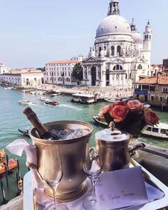 http://www.venice-italy-veneto.com/italian-bucket-list.html