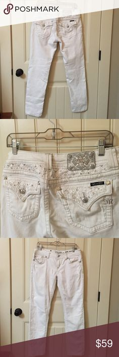 "MISS ME Skinny Jeans size 31"" ankle white Miss Me jeans. Size 31. Silver contrast stitching. Rhinestones. Frayed features around design. Very expensive jeans. Creamy ivory white. Inseam approx 30"". Miss Me Jeans Skinny"
