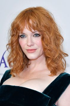 Christina Hendricks, Big Curls, Soft Curls, Red Copper Hair Color, Copper Red, Red Hair Inspo, Vibrant Hair Colors, Temporary Hair Dye, Beautiful Christina