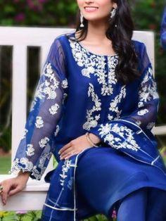 Master Replica online Store Pk | Pakistani Designer Dresses Online Shop Latest Pakistani Dresses, Pakistani Party Wear Dresses, Latest Pakistani Fashion, Pakistani Designer Suits, Pakistani Dress Design, Pakistani Suits, Stylish Dress Book, Stylish Dresses, Casual Dresses