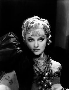 Born 1908 in Kiev, Ukrainian-American actress Anna Sten was spotted as an actress in Russia during an amateur performance in She went . Classic Actresses, Hollywood Actresses, Divas, Anna, Etat Civil, Film Academy, Silent Film, Film Stills, Rare Photos