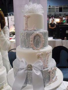 Simple But Elegant Wedding Cakes | Elegant Wedding Cake Designs to ...