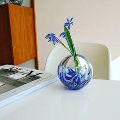 """54 Synes godt om, 14 kommentarer – Schjøtts Magasin (@schjoettsmagasin) på Instagram: """"(Solgt) Lille lækker brevpresse, som også er en vase. Højde ca 7,5 cm, 85,- #vase #brevpresser…"""""""