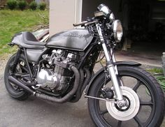 z650 caferacer Cafe Bike, Cafe Racer Bikes, Cafe Racers, Kawasaki Cafe Racer, Cafe Racer Parts, Motorbike Design, Street Tracker, Motorcycle Art, Cool Motorcycles