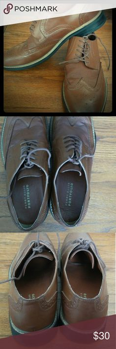 Perry Ellis shoes Very nice pair of Perry Ellis shoes well taken care off. Perry Ellis Shoes Oxfords & Derbys