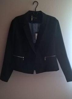 Kup mój przedmiot na #vintedpl http://www.vinted.pl/damska-odziez/marynarki-zakiety-blezery/13053841-czarny-zakiet-zapinany-na-guzik-r-46