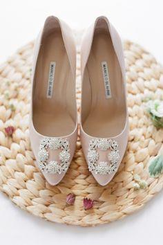 Manolo Blahnik Wedding Source by whiteribbon Designer Wedding Shoes, Designer Shoes, Manolo Blahnik Heels, Manolo Blahnik Shoes Wedding, Celebrity Shoes, Celebrity Style, Dream Shoes, Women's Shoes Sandals, Fashion Shoes
