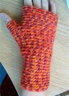 Basic Fingerless Mittens - Crochet Me - free crochet pattern