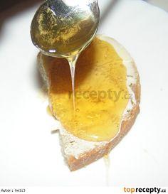 Med z černého bezu a lípy Korn, Diy And Crafts, Alcoholic Drinks, Cheese, Cooking, Syrup, Honey, Kitchen, Liquor Drinks