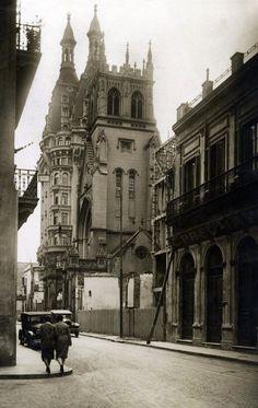 Av. Belgrano al 600, año 1931. En la imagen se puede observar el imponente Edificio Otto Wulff y la vieja fachada de la Iglesia Presbiteriana. Credito: Nicolás Ruso - AGN. Mejora Digital. IdBsAs
