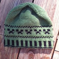 Ravelry: Creeper Hat pattern by Corina Cook Knitting Hats, Fair Isle Knitting, Knit Hats, Baby Knitting, Minecraft Knitting, Minecraft Pattern, Knit Hat For Men, Hat For Man, Knitted Christmas Stockings