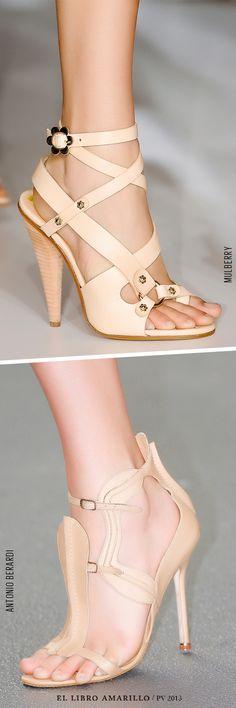 Usa sandalias con tacón en tonos nude para hacer lucir más largas tus piernas. - El Libro Amarillo P/V 2013 - El Palacio de Hierro
