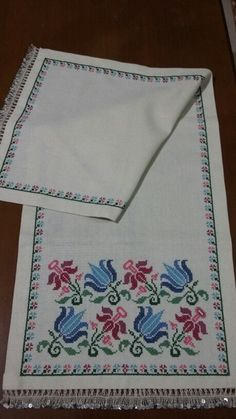 This Pin was discovered by Hür Towel Embroidery, Embroidery Patterns Free, Cross Stitch Designs, Cross Stitch Patterns, Cross Stitching, Cross Stitch Embroidery, Hobbies And Crafts, Diy And Crafts, Monks Cloth