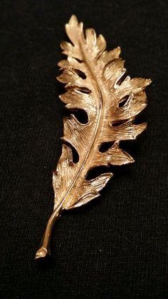 Vintage fern  leaf brooch gold tone