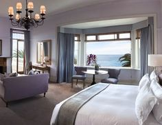 Relais & Chateaux - Overlooking the Atlantic Ocean and situated in the heart of one of the most exclusive suburbs, Bantry Bay, this elegant mansion is just ten minutes away from the V Waterfront and walking distance to Clifton and Camps Bay beaches. Ellerman House: Accommodations #relaischateaux #room