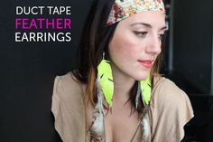 How to Make Duct Tape Feather Earrings. I have seen so many duct tape wallets this week, but these are definitely fabulous! Duct Tape Earrings, Duct Tape Bracelets, Diy Earrings, Macrame Earrings, Duct Tape Projects, Duck Tape Crafts, Duct Tape Dress, Earring Tutorial, Diy Tutorial