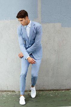 If you want to know what is the Best light blue suit Top light blue suit wedding Best light blue suit for men Light Blue Suit Wedding, Wedding Suits, Mens Fashion Suits, Mens Suits, Suits And Sneakers, Blue Suit Men, Designer Suits For Men, Summer Suits, Fashion Night