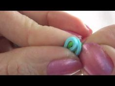▶ MAKE a RUBBER BAND bracelet WITHOUT the rainbow loom - YouTube