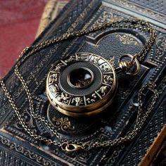 Steampunk Accessories, Jewelry Accessories, Mode Halloween, Mechanical Pocket Watch, Watch Tattoos, Magical Jewelry, Pocket Watch Antique, Fantasy Jewelry, Brass Chain