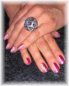 Gelmodellage natürlich mit passendem Deussl Ring  www.nail-dealer.eu