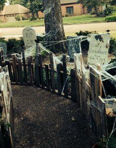 Spooky DIY pallet Halloween fence , graveyard, tombstone, crow , raven , spider , web , skull