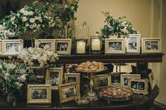 Mesa de Doces com porta retratos. Foto: Renata Xavier Blog: Vestida de Noiva