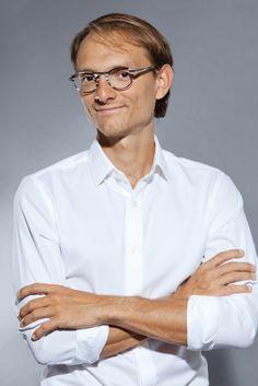 Vítame v našom kolektíve ďalšieho plastického chirurga, MUDr. Gabriela Šlárka :-) nech sa mu u nás darí. http://www.plastickachirurgia.sk/nas-tim/174-mudr-gabriel-slarko