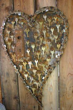 key-to-my-heart door decoration with old door lock - Yard Art Ideas | Kathi's Garden Art Rust-n-Stuff