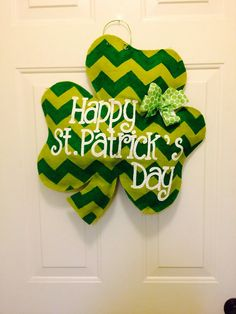 Shamrock chevron burlap door hanger for St by TheCraftyFoxLR